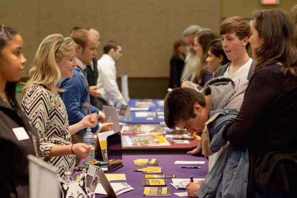 10 things to ask about at a college fair