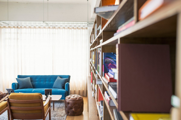 5 Ways to Decorate Your College Apartment on a Budget | CollegeXpress